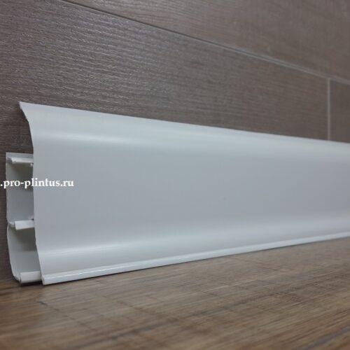 Плинтус белый ПВХ 67 мм